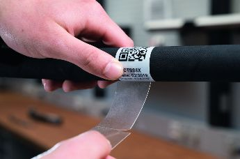 The self-laminatig cable labels Helatag 1232 are ideal for harsh environments.