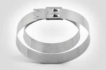 HellermannTyton offers various stainless steel cable ties: particularly popular on ships, in tunnels, mines and in the petrochemical industry.