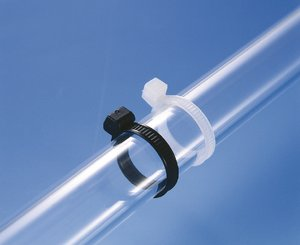Outside serrated OS-Series cable tie with smooth surface to the bundle.