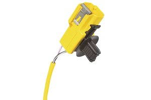 For a secure fixing simply push the connector by hand (ConnectorClip YCCFT62x122).