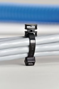 T120RCoupler can be used for parallel routing of two cable ties.
