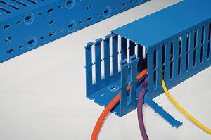 HelaDuct HTWD-PWB blauwe bedradingskanalen voor intrensiekveilige applicaties.