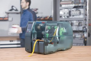 Thermotransferdrucker TT4030 für hohe Druckvolumen.