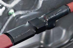 Warmschrumpfschlauch SA47-LA zur Anwendung bei Kabelschuhen.