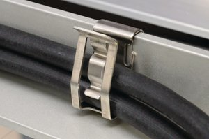 Double-compression design can accommodate up to 2 wires or cables of varying sizes.