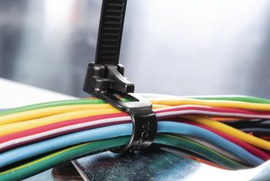 Die Kabelbinder der RELK- und RLT-Serie sind lösbar und daher wiederverwendbar.